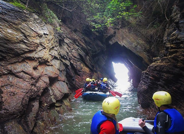 coastal rafting caves, family activities