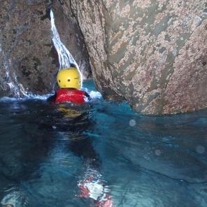 coasteering cave croyde, north devon, watersports, activites, adventure