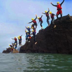 devon, coasteer, coasteering, jump, group activities