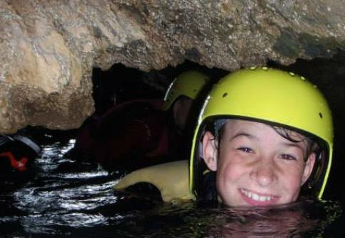 coasteering devon, caves, croyde, woolacombe, family, caving, coasteering north devon