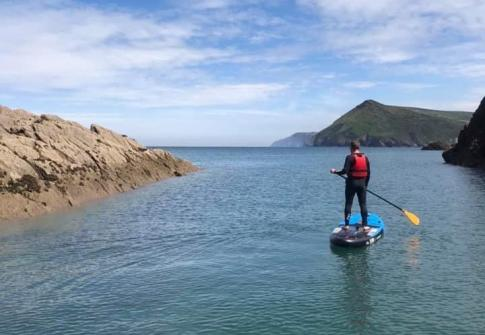 north devon, sup, paddleboarding near me, devon, croyde, woolacombe, social distancing devon, fitness, adventure